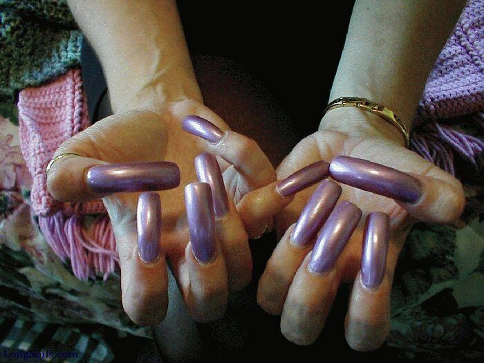 Dating women with long fingernails